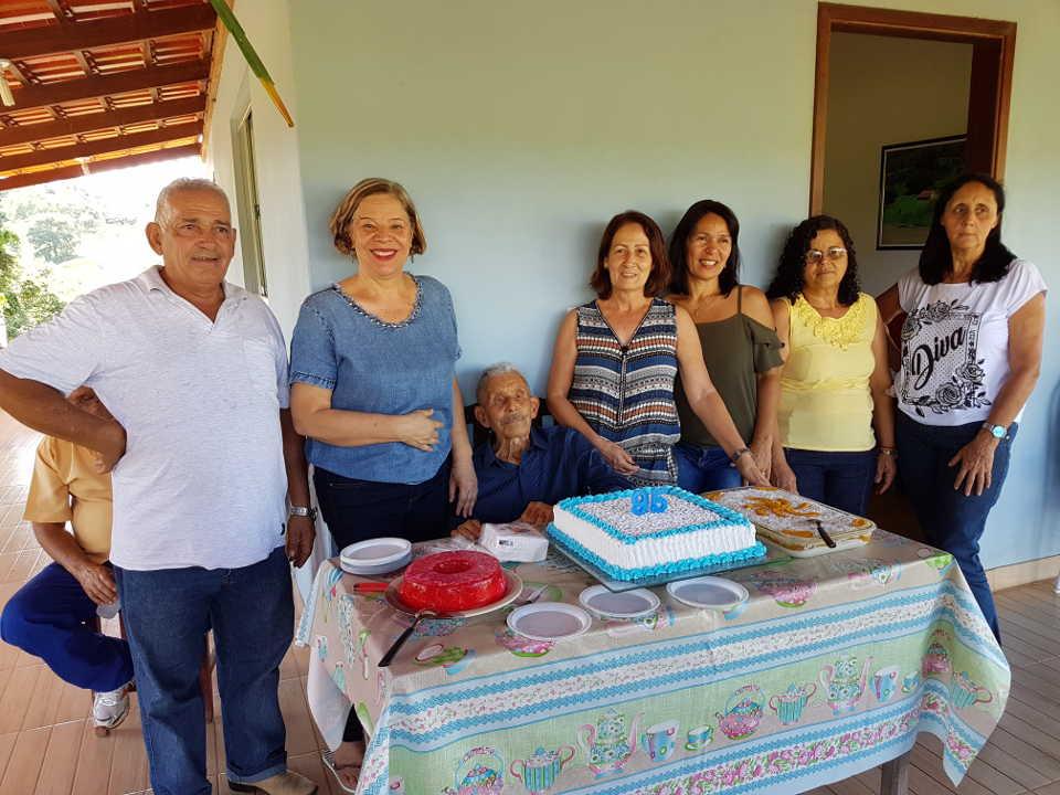 José Nicolau com suas noras e genro - 19.01.2019