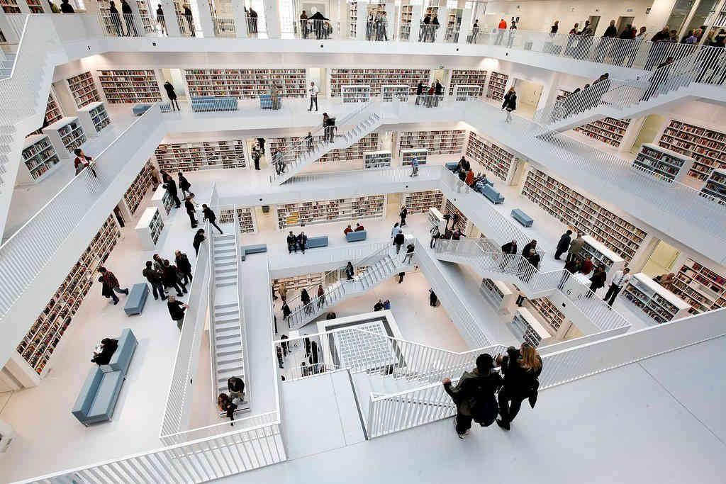 Para quem gosta de ler: Stadtbibliothek am Mailänder Platz - Biblioteca Municipal de Stuttgart, Alemanha