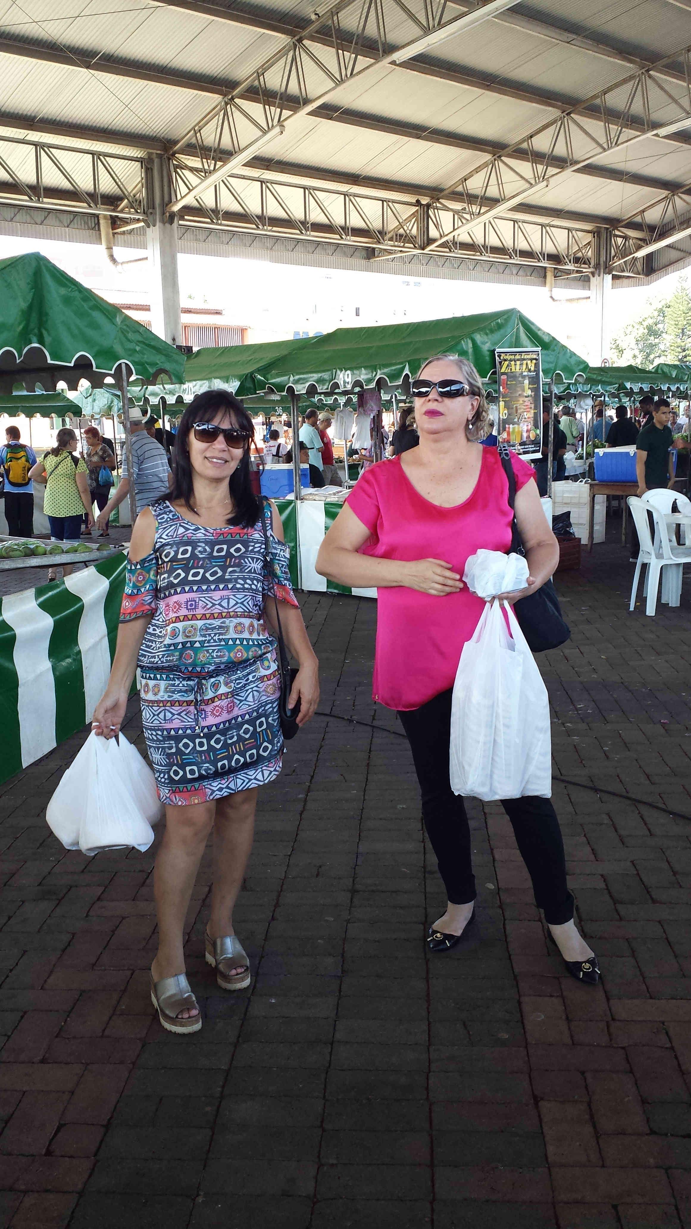 Gracinha e Rita na Feira Livre do Produtor Rural em Patos de Minas