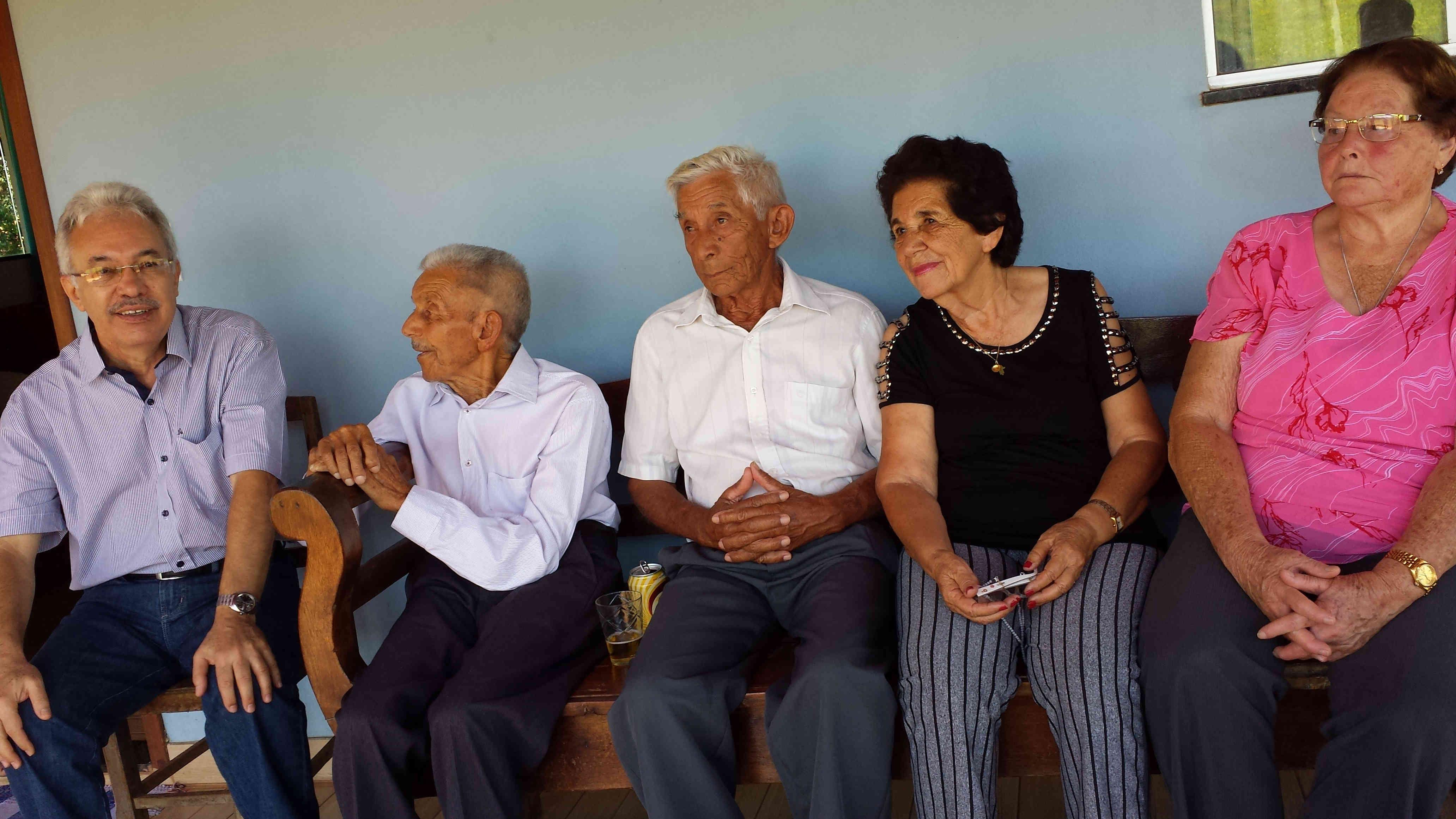 Airton, José Nicolau, tio Tonico, tia Fia, tia Aurora