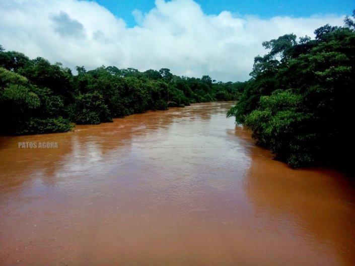 O Rio Paranaíba começou a transbordar - 20.01.2016