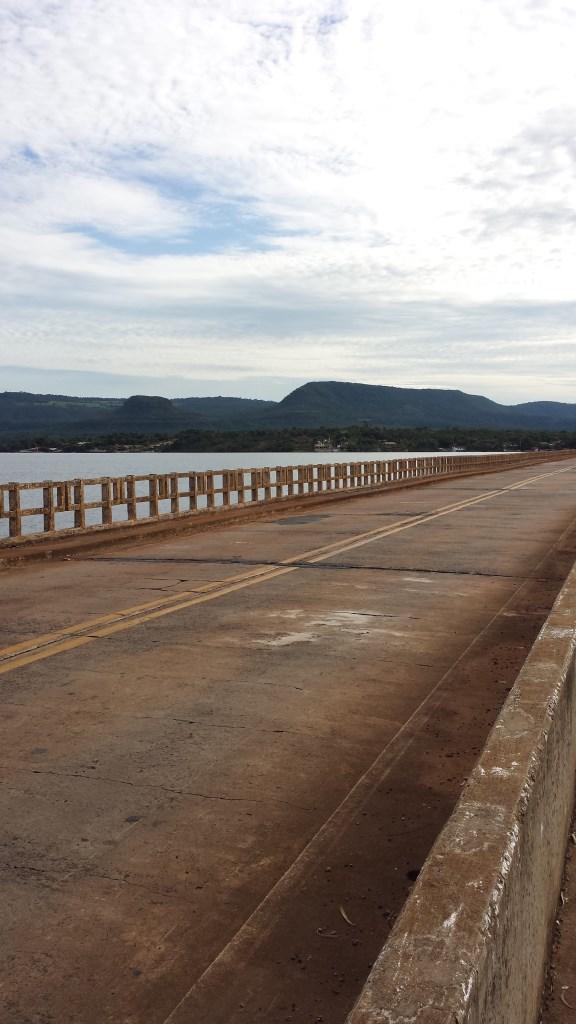 Minas Gerais vista da ponte do Rio Grande, em Rifaina