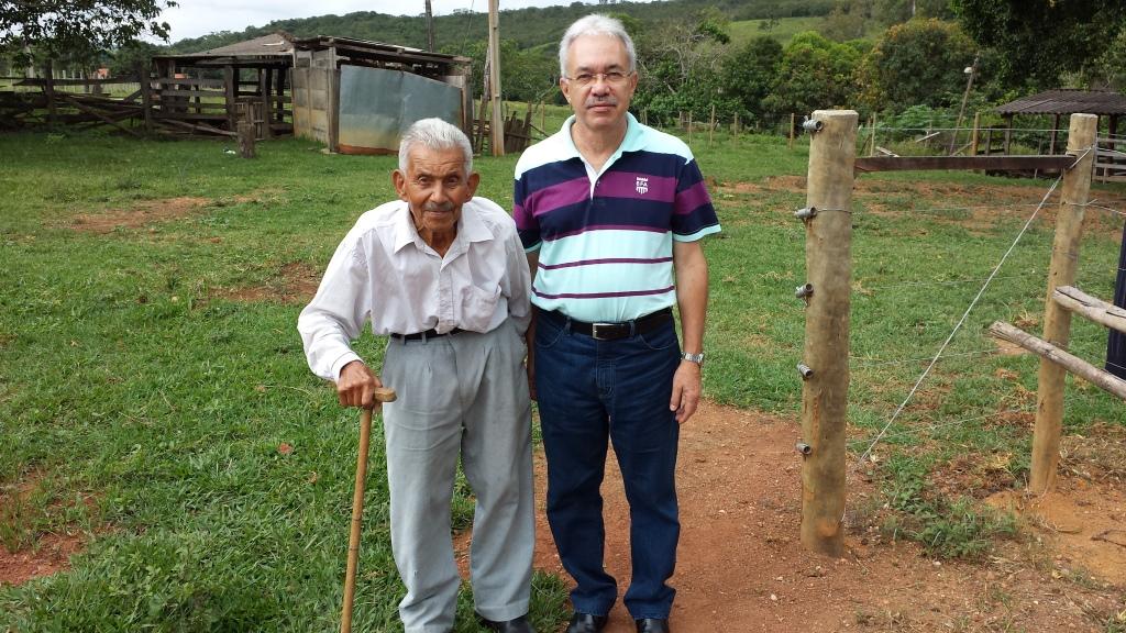Com papai em sua fazenda, em Alagoas, em 13.01.2017