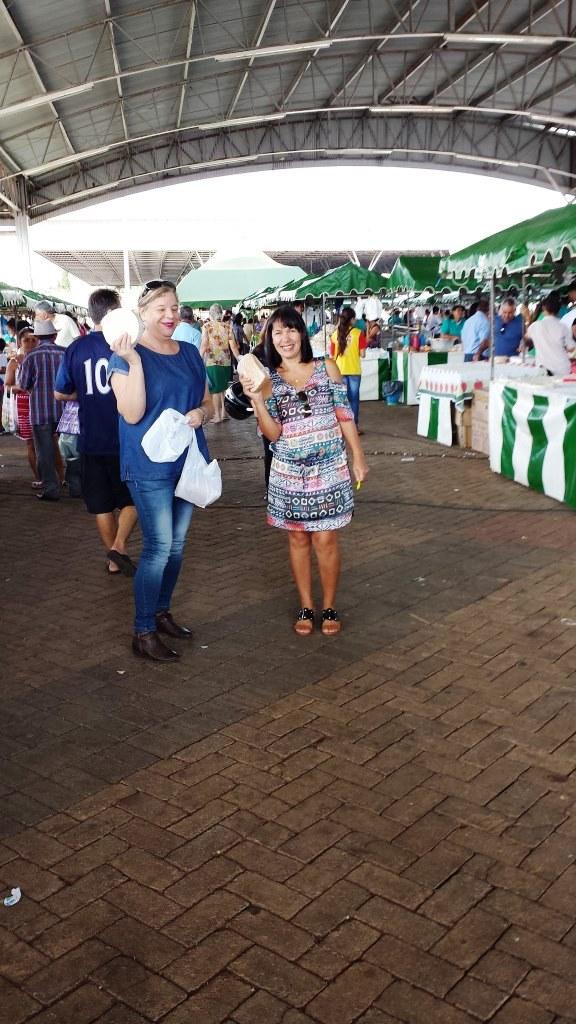 Rita e Gracinha na Feira Livre do Produtor Rural