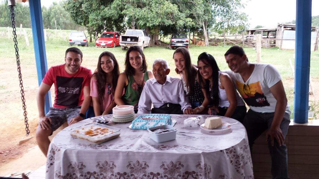 Zé Nicolau com 6 de seus 13 netos em 14.01.2017