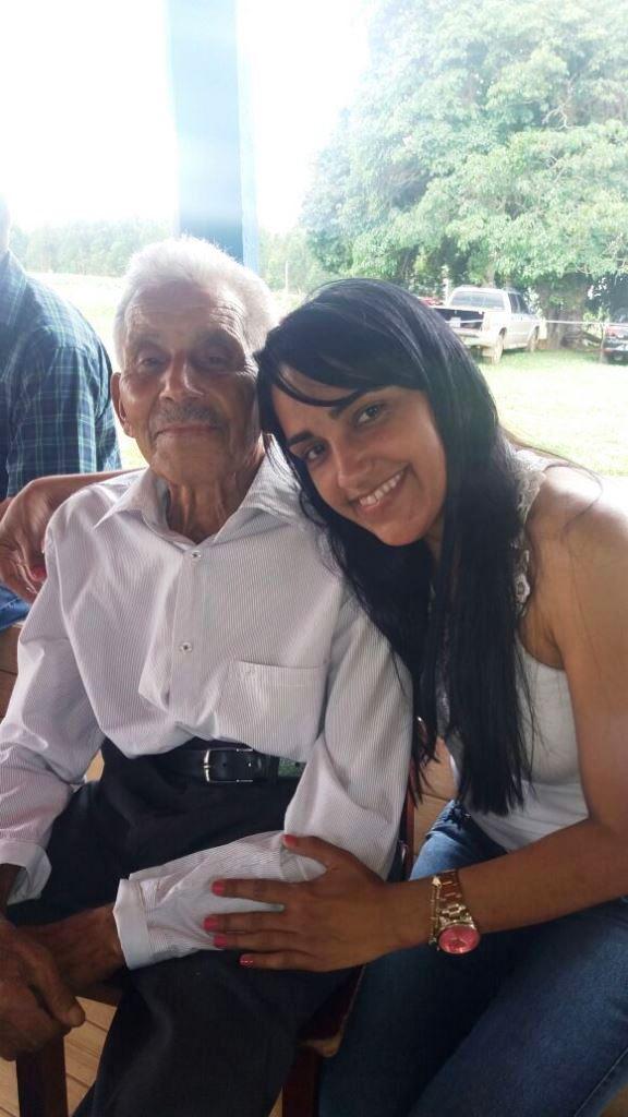 Zé Nicolau com sua neta Juliana em 14.01.2017